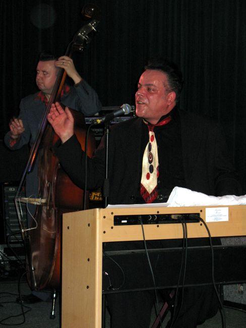 Radio Modern : Mike Sanchez, February 3, 2008