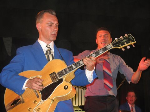 Radio modern : King Pleasure and the Biscuit Boys